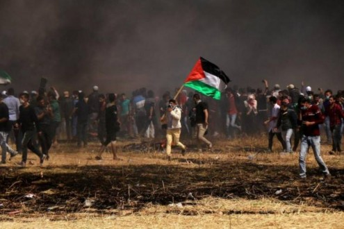 """الفلسطينيون يستعدون للمشاركة في جمعة """"المقاومة خيارنا"""""""