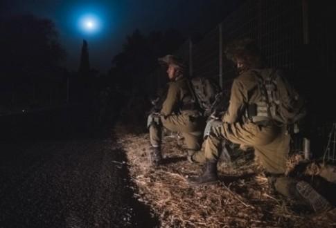 مراسل ملحق: استنفار إسرائيلي في الجولان بعد سقوط أجزاء من الدفاعات السورية داخل الاراضي المحتلة