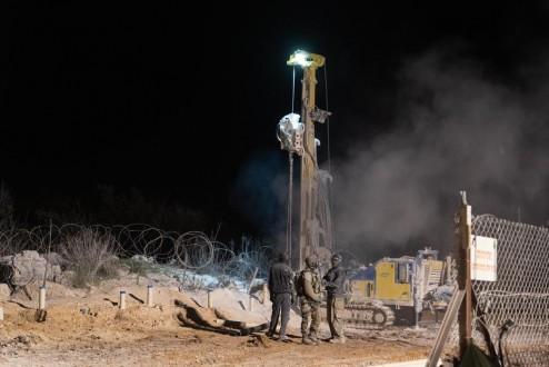 f1b43e9a8 الجيش الإسرائيلي فجر إحدى الحفر المستحدثة في خراج عيتا الشعب ...