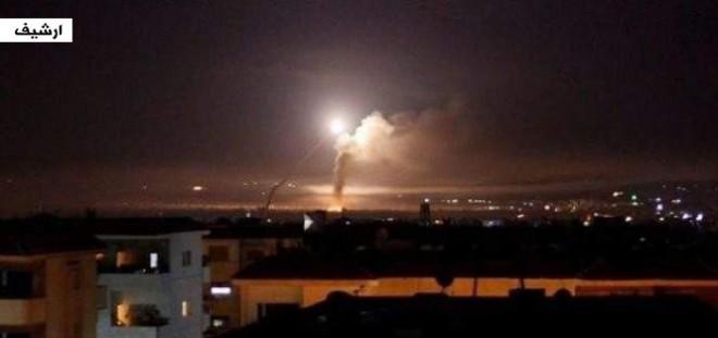 خاص ملحق: الدفاعات السورية أسقطت 3 صواريخ فوق الريف الغربي لدمشق