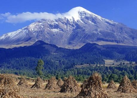 تسلّق أعلى قمة بركانية في أميركا
