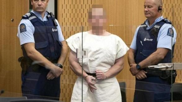 منفذ الاعتداء على مسجدين في نيوزيلندا يمثل أمام المحكمة بتهمة القتل