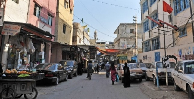 """مصادر """"ملحق"""": إصابة شاب قنصاً في الشارع الفوقاني بمخيم عين الحلوة إثر وقوع إشكال مسلّح"""