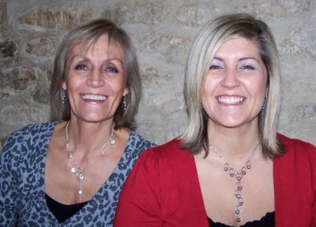 أمّ وابنتها تكتشفان إصابتهما بالسرطان في اليوم نفسه!