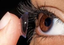 التهاب-العين-من-العدسات
