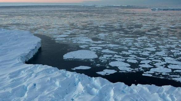 إختفى قبل 30 عاما وعُثر على جثته في نهر جليدي !