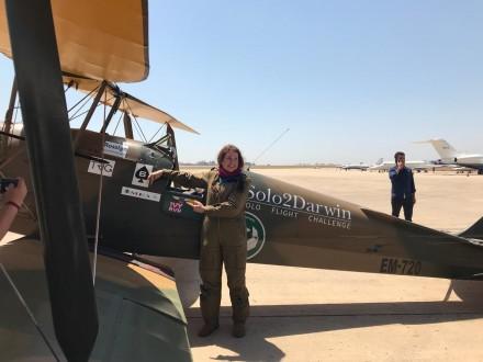 وصول قائدة الطائرة البريطانية اماندا هاريسون الى لبنان