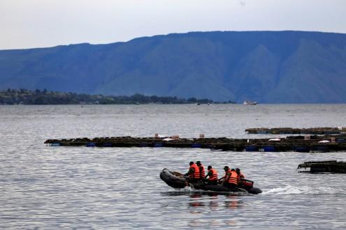 مقتل 8 أشخاص في غرق زورق يقل مهاجرين قبالة ساحل غرب تركيا