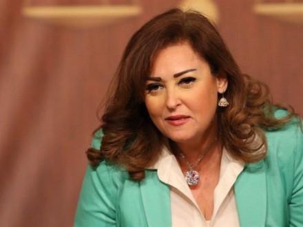 """نهال عنبر تكشف تفاصيل الحالة الصحية لـ """"عزت أبو عوف"""""""
