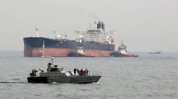 استهداف ناقلتي نفط في بحر عمان