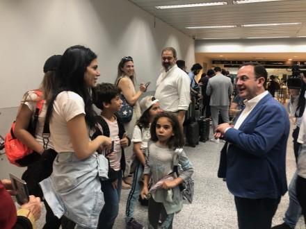 وزير السياحة اطلع على سير الاجراءات لتسهيل أمور السياح والمسافرين