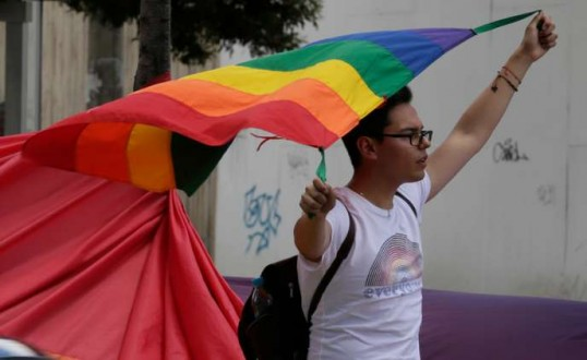 Equateur : la Cour constitutionnelle approuve le mariage homosexuel