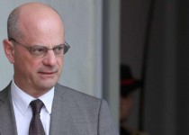 French Education and Youth Affairs Minister Jean-Michel Blanquer leaves the Elysee presidential palace in Paris following the weekly cabinet meeting on April 24, 2019.  / AFP / ludovic MARIN