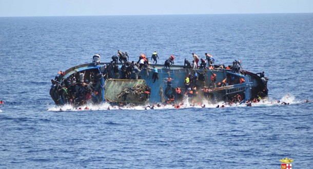 ارتفاع عدد قتلى حادثة غرق قارب المهاجرين قبالة تونس الى 58