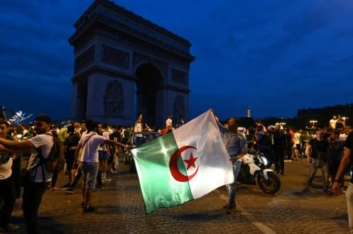 مشجع منتخب الجزائر يدهس عائلة بسيارة ووفاة امرأة في فرنسا