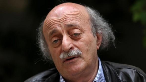 جنبلاط : أشجب الكلام اللامسؤول الذي صدر بحق السيد حسن نصرالله