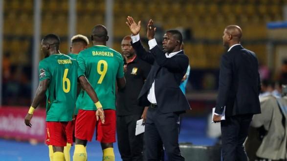 الإتحاد الكاميروني يقيل المدرب الهولندي سيدورف
