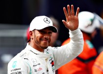 MONTE-CARLO, MONACO - MAY 25: Pole position qualifier Lewis Hamilton of Great Britain and Mercedes GP celebrates in parc ferme during qualifying for the F1 Grand Prix of Monaco at Circuit de Monaco on May 25, 2019 in Monte-Carlo, Monaco. (Photo by Dan Istitene/Getty Images)