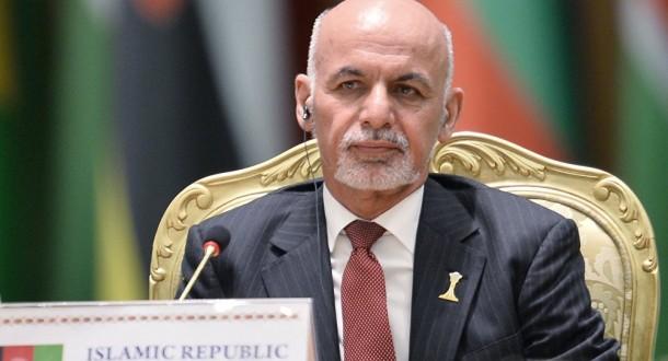 """الرئيس الأفغاني: يجب التعامل مع طالبان كـ""""جماعة"""" وباكستان تدعمها"""