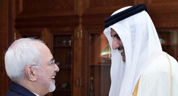 ظريف يؤكد خلال لقائه أمير قطر رؤية إيران لتطوير علاقاتها مع جيرانها