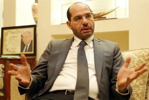 الحريري يرفض لقاء وزير في حكومته!