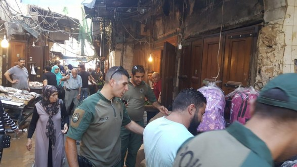 إزالة مخالفات في أسواق طرابلس وعوائق حديدية من شوارع القبة