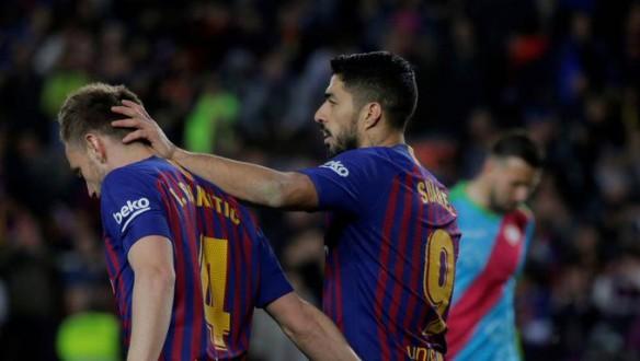يوفنتوس يطارد 3 صفقات من برشلونة