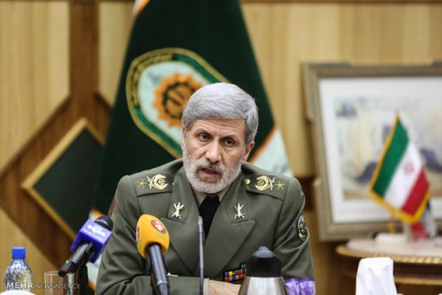 حاتمي: إيران تنتج صواريخ دقيقة ونملك قدرة التصدي للتهديدات الجوية البعيدة المدى