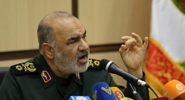 """ايران تهدد بالرد """"من المتوسط حتى المحيط الهندي"""" على أي مؤامرة أميركية"""