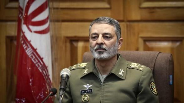 قائد الجيش الإيراني يحذر إسرائيل من التدخل في منطقة الخليج
