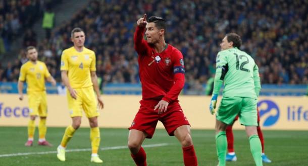 """منتخب البرتغال يخسر أمام أوكرانيا.. و""""الدون"""" يسجل الهدف الـ 700 في مسيرته"""