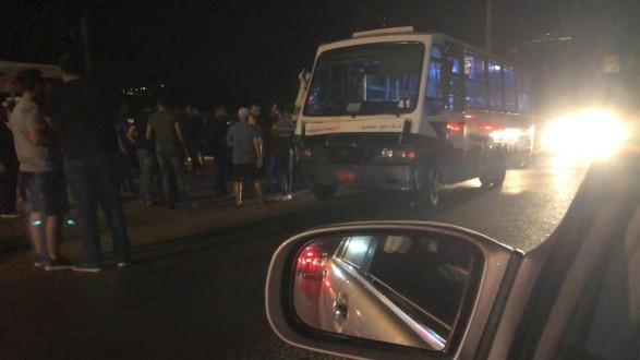 قتيل وثلاثة جرحى بحال الخطر في حادث سير مروع على طريق كفرفالوس