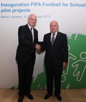 من لبنان إلى العالم.. رئيس الفيفا يطلق من بيروت مشروع كرة القدم من أجل المدارس