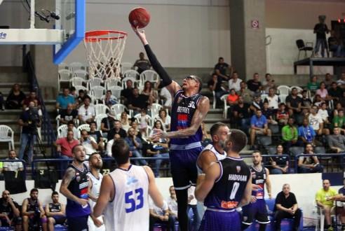 فوز كبير للشانفيل على بيروت بنتيجة 94 – 72