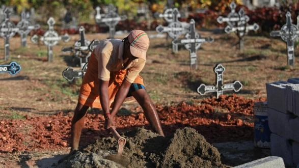 """راعي أغنام هندي """"يُبعث"""" أثناء دفنه"""