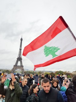 الجالية اللبنانية تظاهرت في باريس: صوتنا هو مدى لصوت الشعب المقهور في وطننا الأم