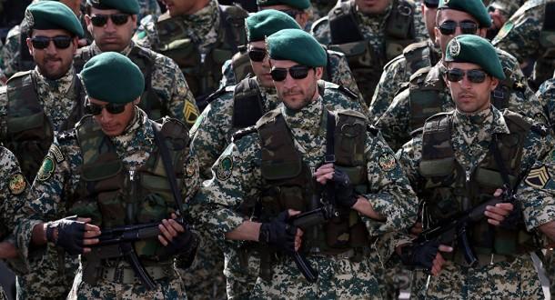 """الحرس الثوري الإيراني يعلن مقتل 3 من قوات """"الباسيج"""" خلال الاحتجاجات في إيران"""
