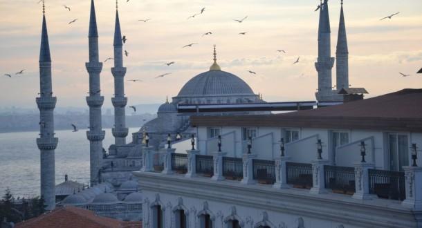 مكتب حاكم إسطنبول: تركيا أبعدت أكثر من 6000 سوري من المدينة