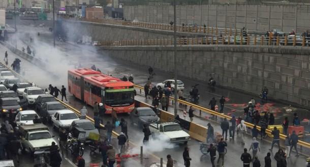 الاتحاد الأوروبي يوجه رسالة إلى المتظاهرين الإيرانيين