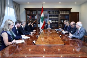 عون يأمل بولادة حكومة خلال أيام وأول اهدافها مطالب المعتصمين