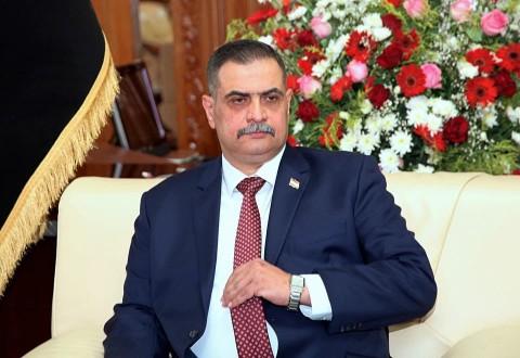 وزير الدفاع العراقي يكشف المتورط بقنص المتظاهرين