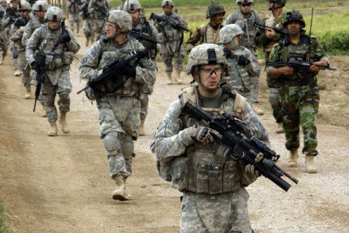 جندي أميركي يقتل شخصا ويصيب اثنين آخرين في حادث إطلاق نار بقاعدة بيرل هاربور