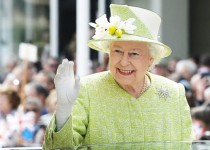160424225016_queen_elizabeth_640x360_._nocredit