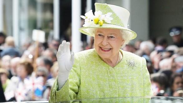 الملكة إليزابيث تحدد أجندة رئيس الوزراء جونسون