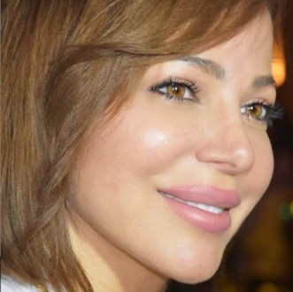 سوزان نجم الدين تتعرض للسرقة في مطار القاهرة الدولي !