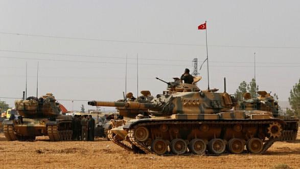 أنباء عن مقتل جنديين من الجيش السوري بقصف للقوات التركية في ريف عين عيسى
