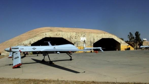 سقوط قذيفتين داخل قاعدة بلد الجوية العراقية