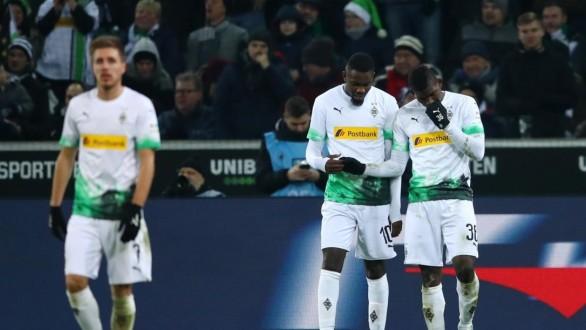 مونشنغلادباخ يستعيد صدارة الدوري الألماني