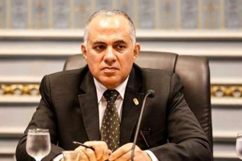 وزير الري المصري: مصر تعاني من نقص كبير في المياه ونريد حماية السد العالي