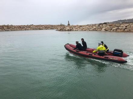 فقدان شابين في البحر مقابل معمل الجية
